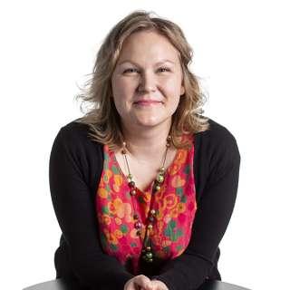 Kouluttaja Jenni Rihti, Mielenterveyden keskusliitto, koulutus- ja kehittämisyksikkö KOUKE